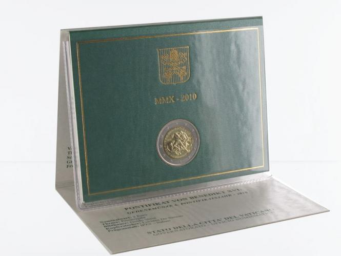 Vatikan 2 Euro Münze, 2010, Priesterjahr im Folder